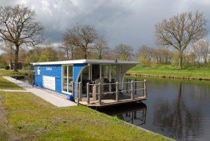 Hausboot in Timmel